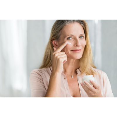 Produsele hidratante: sursă de sănătate pentru tenul tău