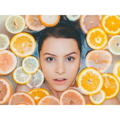 Măștile dermato-cosmetice pentru ten: Mod de folosire și beneficii