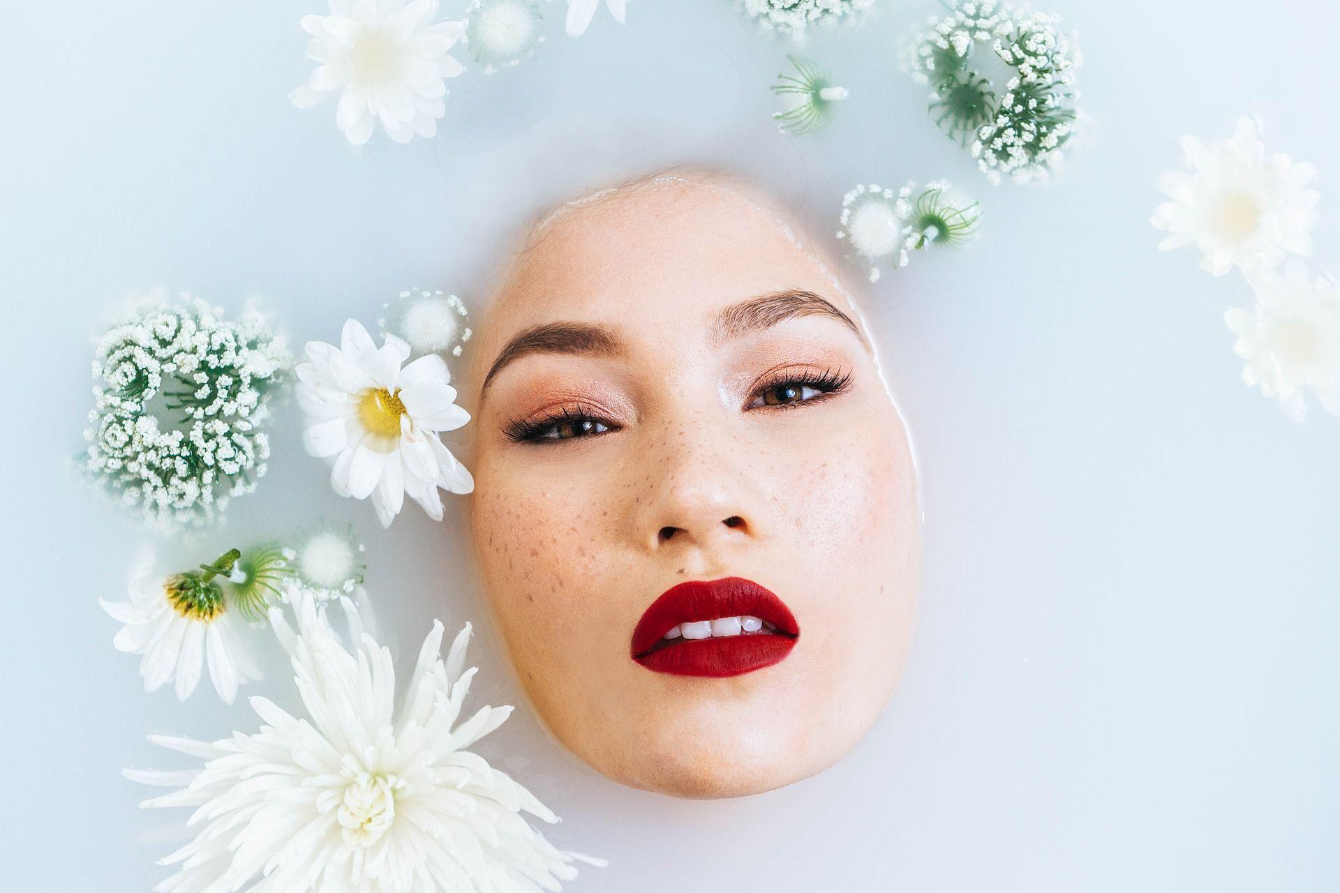 De ce hidratarea pielii este esențială în ritualul tău de îngrijire? Secretul unei pieli sănătoase și frumoase
